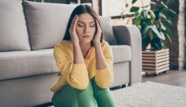 Emicrania nelle donne: non è solo un problema di ormoni